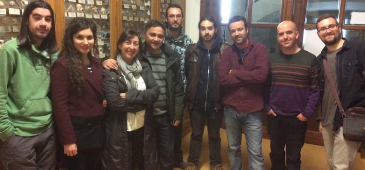 Alumnos del Máster Paleontología de la UV visitan el museo del Colegio La Salle