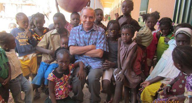 Continúa la construcción de la Escuela de primaria en Burkina