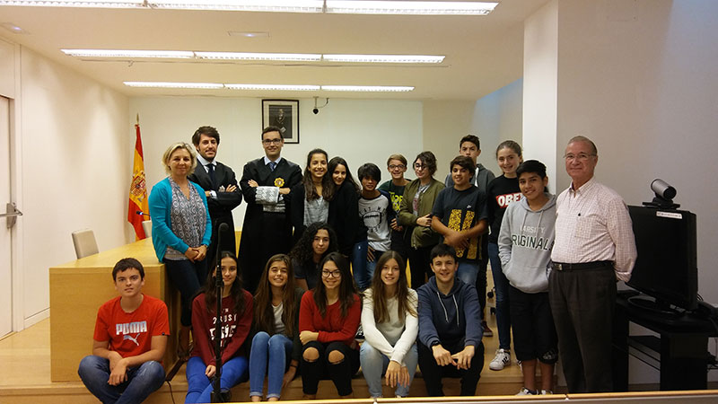 Els alumnes de 3r d'ESO de La Salle Maó visiten esl jutjats per comprendre el procés judicial
