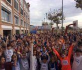 Un millar de personas participan y animan en la carrera solidaria organizada por el Colegio La Salle de Paterna