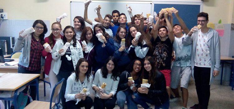Masiva participación en la Escuela Profesional de Paterna con el almuerzo solidario a beneficio del DOMUND