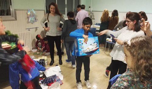 La directora general de Infancia y Adolescencia de la Generalitat Valenciana acude a la cena de Navidad de Projecte Obert