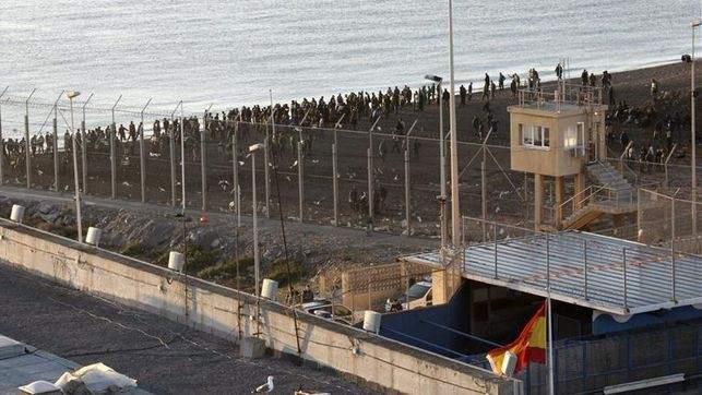 Cáritas, CONFER y Justicia y Paz reclaman una política  de fronteras basada en los principios humanitarios