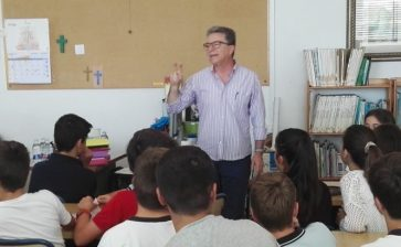 El poeta Ponç Pons visita el col·legi La Salle de Maó