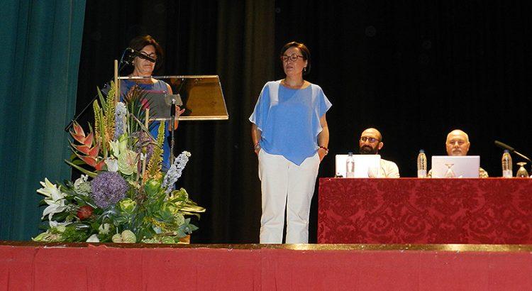 La directora de la Red agradece a Isabel Mora todos los años dedicados en tareas de dirección
