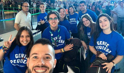 Seis jóvenes y tres voluntarios de La Salle Paterna inician una experiencia de ayuda y cooperación internacional en Argentina
