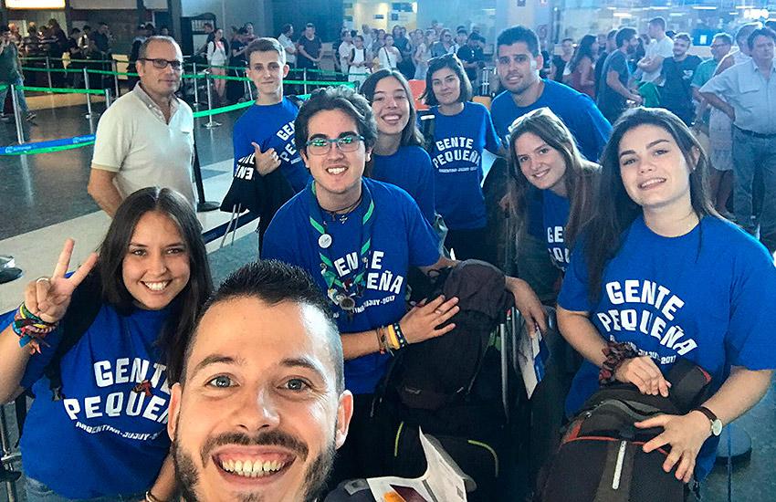 El grupo de voluntarios y monitores de Gente Pequeña