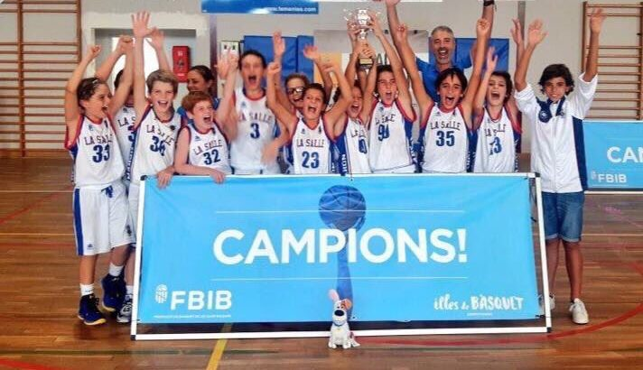 L'equip de bàsquet Mini Masculí A del C.B. La Salle Mahón