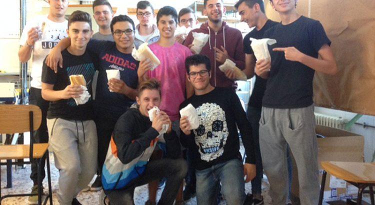 Almuerzo solidario en La Escuela Profesional