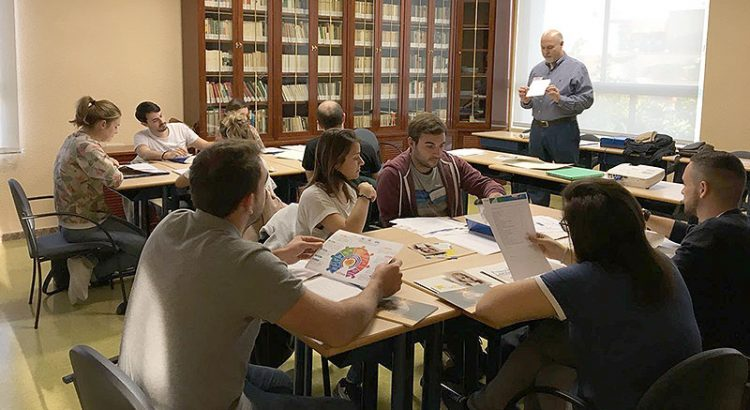 Formación de profesores nuevos en Paterna
