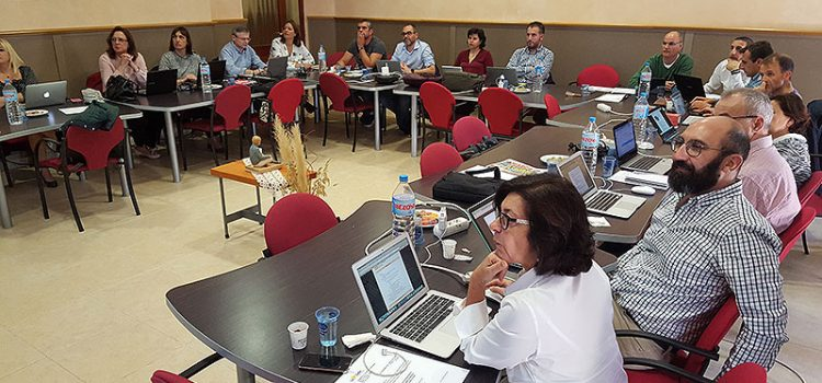 La mejora de la implantación de los dispositivos móviles en el aula centra la reunión de los directores generales de La Salle Valencia-Palma