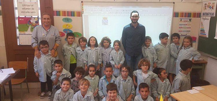 El alcalde de l'Alcora visita La Salle como parte de un proyecto de 1º de primaria para conocer el pueblo