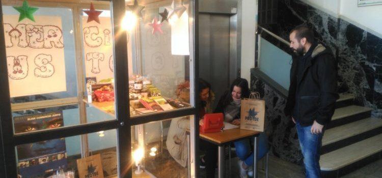 Visita las tiendas de comercio justo de nuestros colegios para hacer regalos solidarios estas navidades