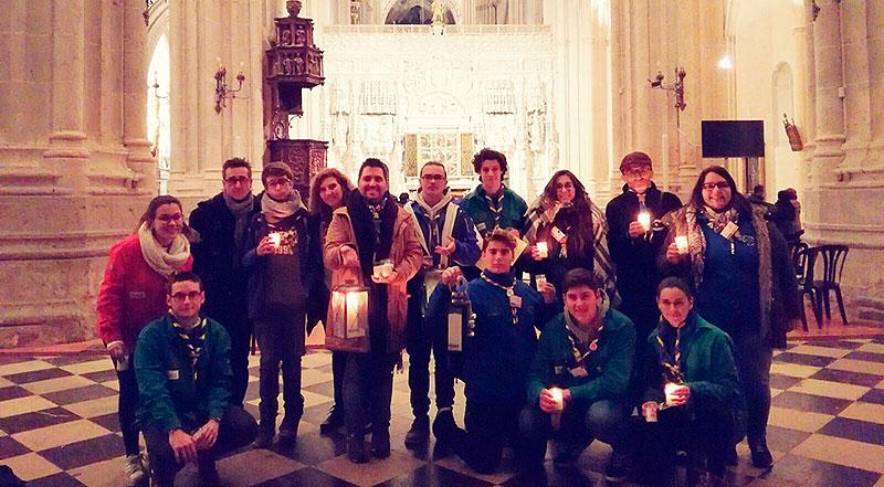 El grupo Scout Alborxí recibe la luz de la Paz de Belén en Palencia