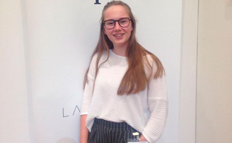 Alba Velasco, alumna del colegio La Salle de Palma, vencedora del VI Concurso nacional de Oratoria de la Fundación Educativa Activa-T