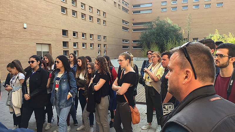Un grupo de alumnos europeos de Erasmus+ de 8 países diferentes visitan Paterna para realizar un trabajo sobre medios de comunicación