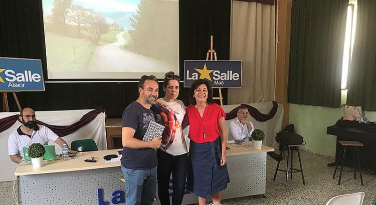 Luis Verdú y Sandra Espadas junto a la directora de Red