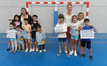 El colegio La Salle Teruel organiza un emotivo acto de despedida de sus auxiliares de conversación Ellie y Tala