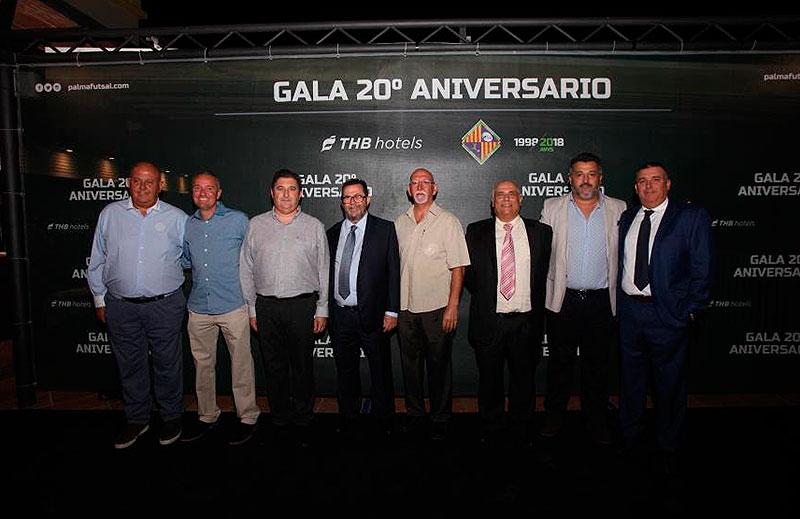 El Hno. Isaac Miguélez, entre los homenajeados en el vigésimo aniversario del Club Deportivo Palma FutSal