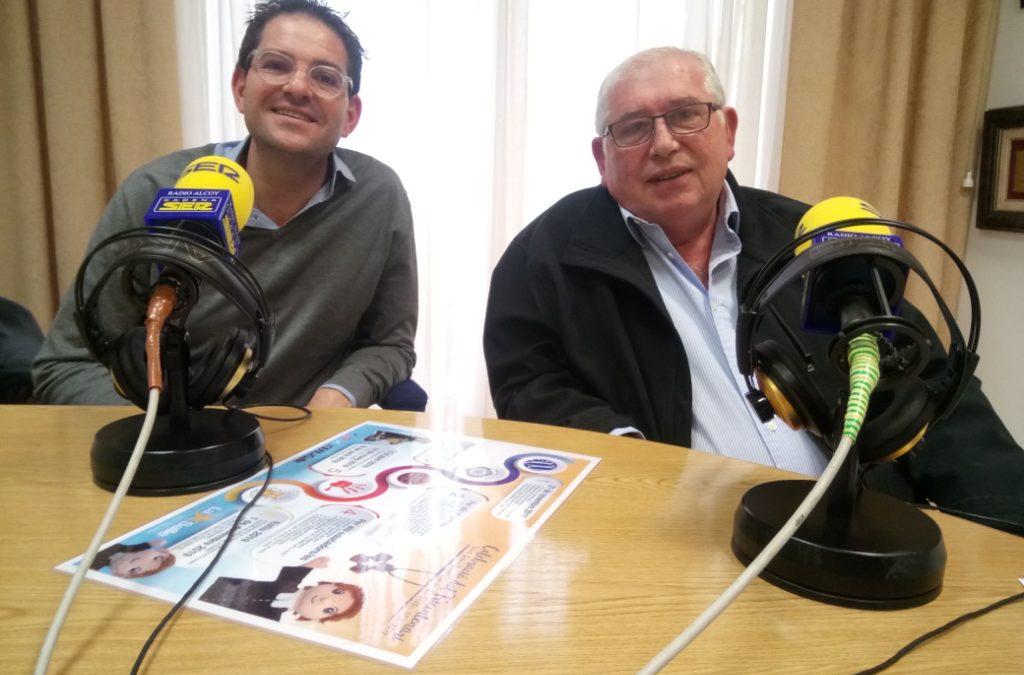 El director de La Salle Alcoi, Marc Segura, y el hermano José Luis Gómez, han estado en los estudios de Radio Alcoy para explicar algunos detalles de la celebración del Tricentenario