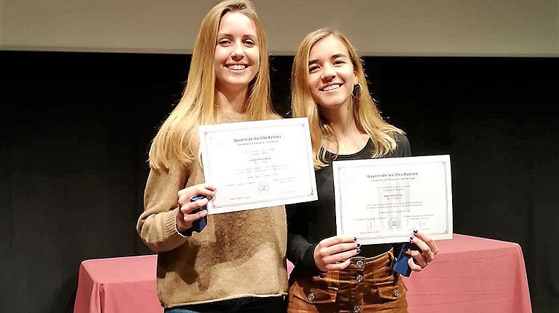 Mar Sintes i Clara Pons, alumnes de La Salle Maó, premi al rendiment acadèmic excel·lent 2018