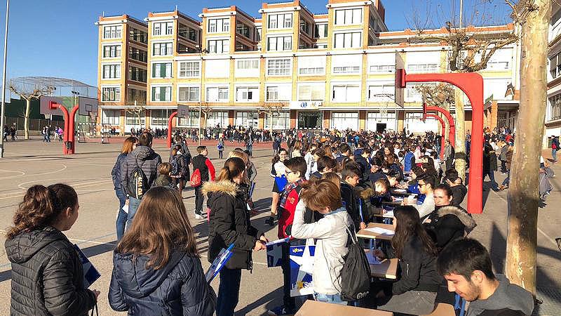 285 alumnos de trece colegios de la Comunitat Valenciana participan en los XVII Juegos Matemáticos del colegio La Salle de Paterna