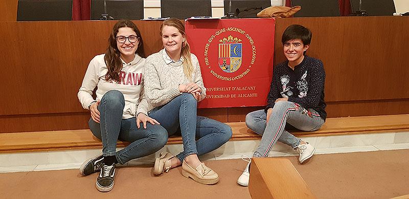 Alumnas de La Salle Alcoi participan en el Speaking Contest de la Fundación Actíva-T