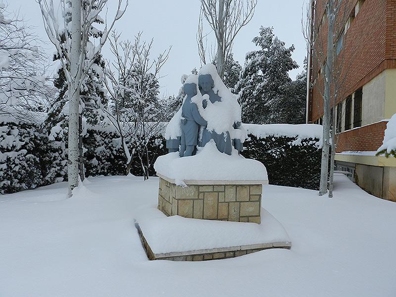 Año de nieves, …